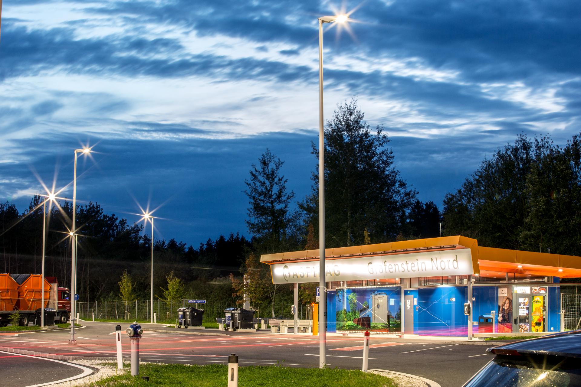 Autobahnparkplatz